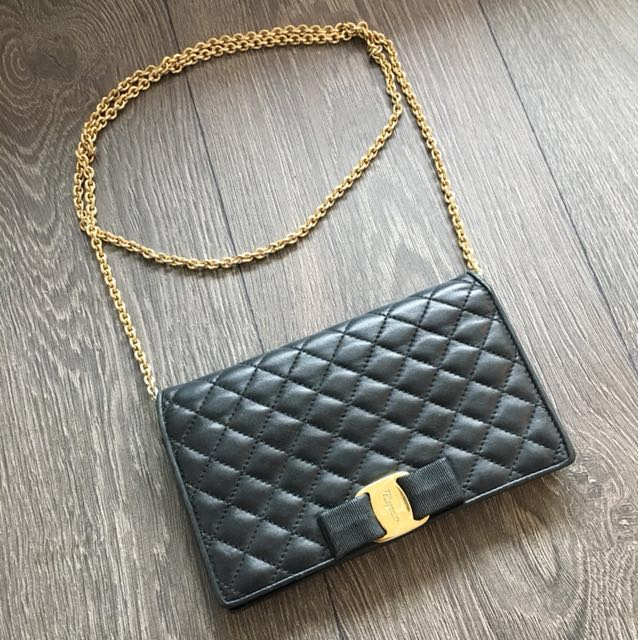 AUTH Ferragamo Miss Vara Quilted Leather Bow Chain Wallet Bag