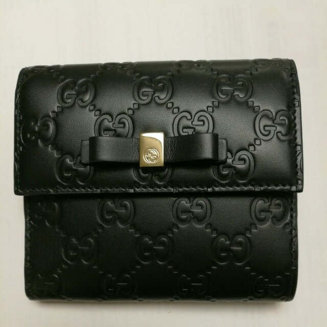 Authentic Bow Gucci Signature Wallet