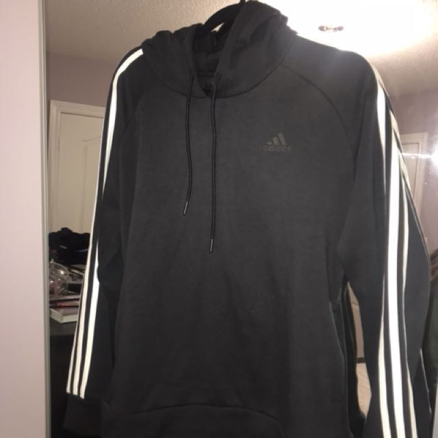 Classic Adidas Sweater Size L