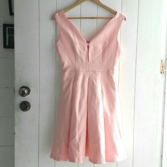 Elegant semi-off shoulder evening dress