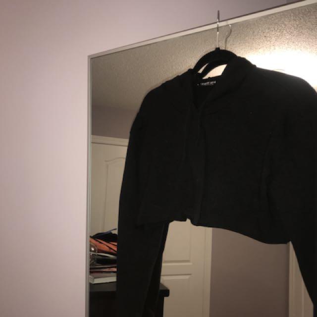 Fashion Nova Cropped Sweater Size S