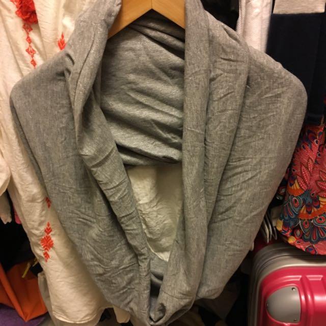H & M 脖圍披肩 銀灰色 特價