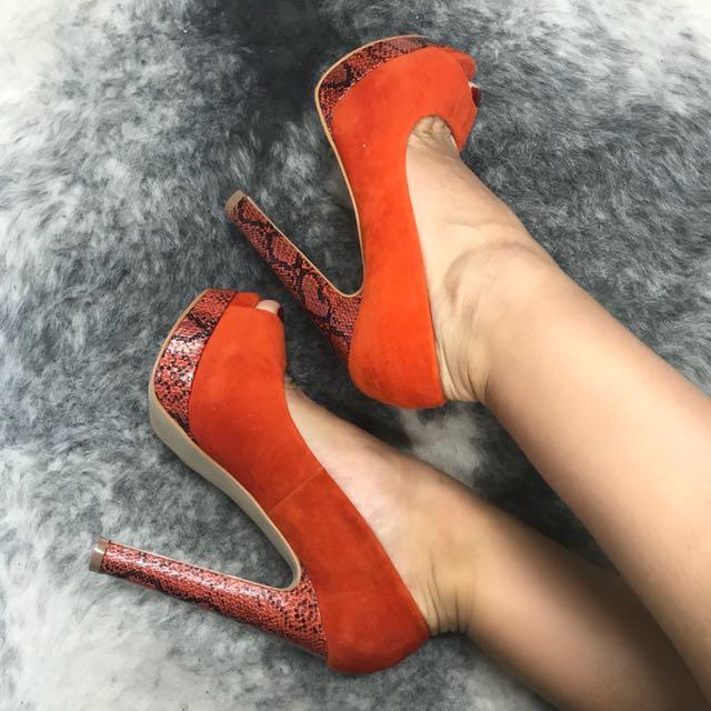 Innui catwalk orange snakeskin platform heels sz 6/37 (fits size 7) - brand new in box