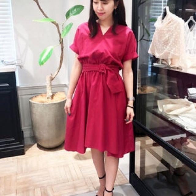 Jewel Changes 2017春夏最新款紫紅色前長後短洋裝