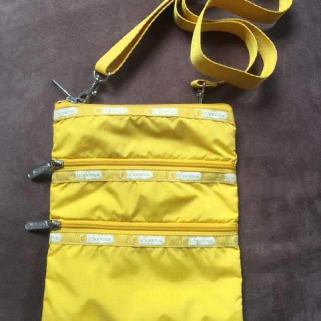 Le Sportsac sling bag
