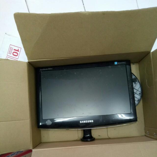 Monitor komputer samsung 14inch