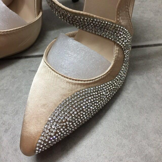 632a11ec87623 NEW Beige Cover S-Heels