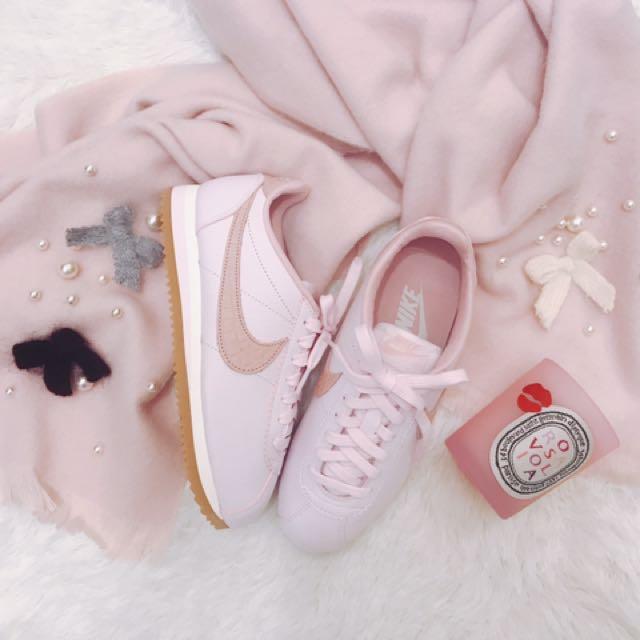 Nike Classic Cortez Lux 珍珠粉阿甘
