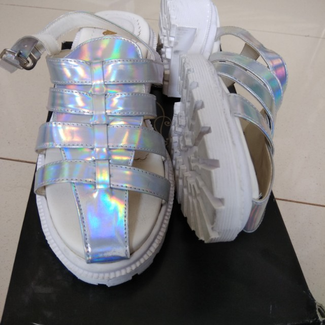 Platform hologram