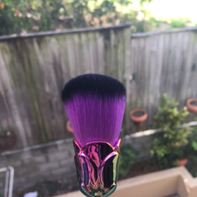 Rose multicolour makeup brush