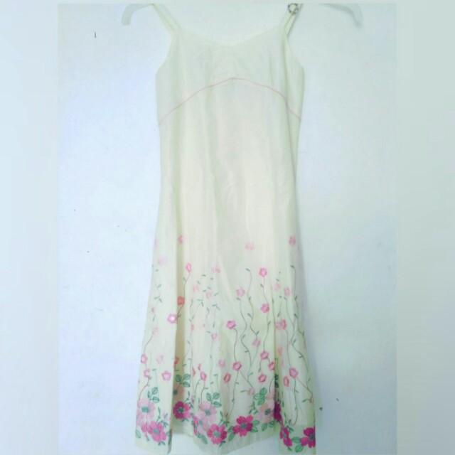 Siapa lg yg mau dress baru cuma 25.000, size s ya