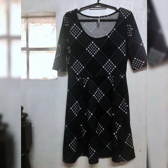Smart Casual Black Checkered Dress