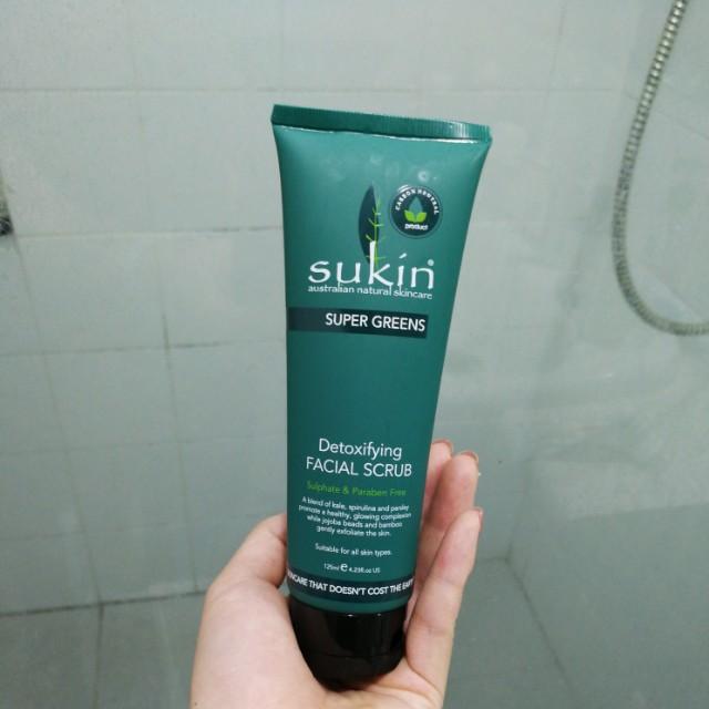 Sukin Detoxifying Facial Scrub 125ml