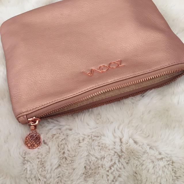 ZOEVA rose gold makeup bag