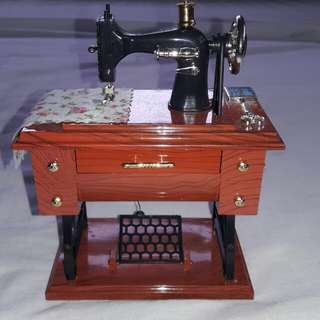 Music box Sewing machine