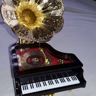 Music box piano