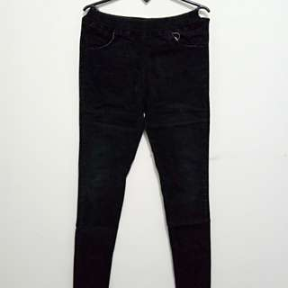 Oct Sale (Jegging hitam)