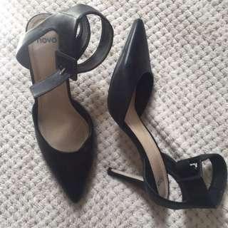 Novo heels size 9