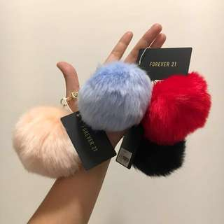 FOREVER 21 Travel Puff Keychain