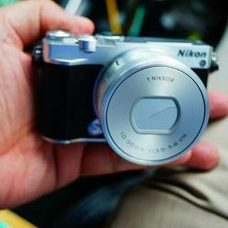 Nikon 1 J5 Almost New Condition