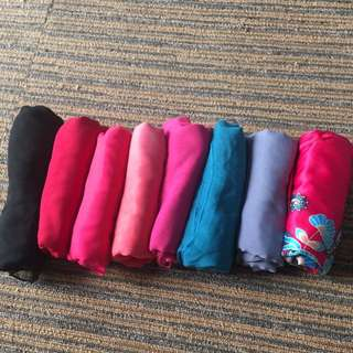 Shawls and square scarves