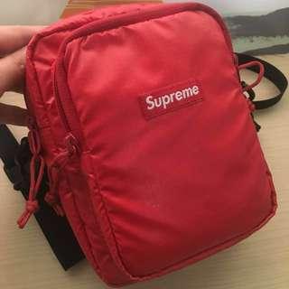 Supreme 小包 42 th二手 保證正品 紅色