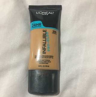 L'Oréal Infallible Pro-Glow foundation - shade 210