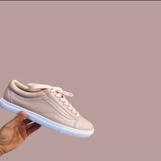 Sheshe Nude Sneakers
