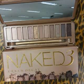 Urban Decay Naked 3 Eyeshadow Palette like new with box 😍😍