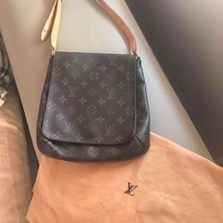 Auth Lv musette salsa pm