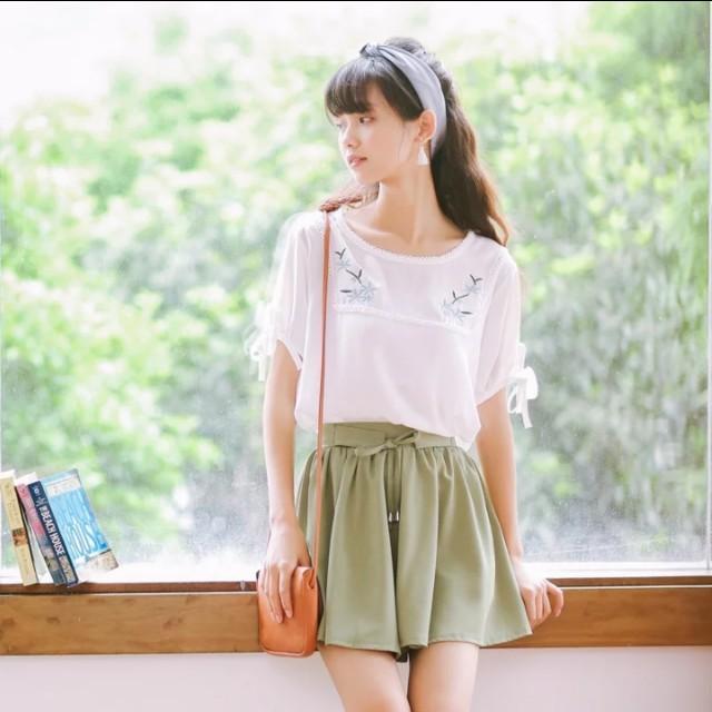 清新溫柔文青刺繡繡花蕾絲上衣