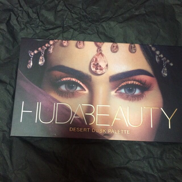 Authentic Huda Beauty Desert Dusk Pallete
