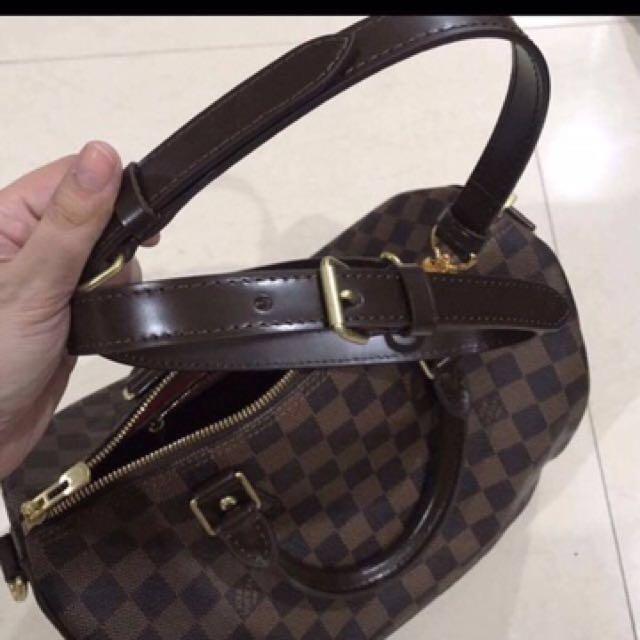 027c87943f Authentic Louis Vuitton Damier Ebene Speedy 30
