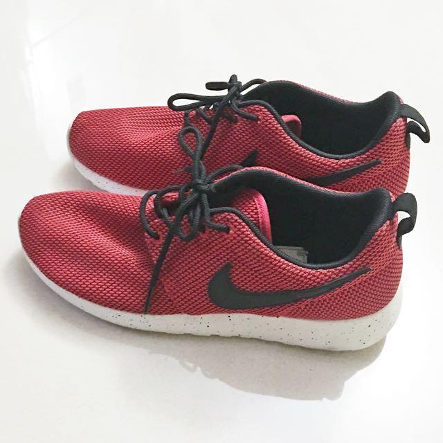 Authentic Nike Roshe Run