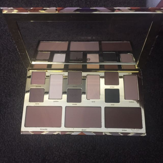 Authentic Tarte Clay Play face shaping palette