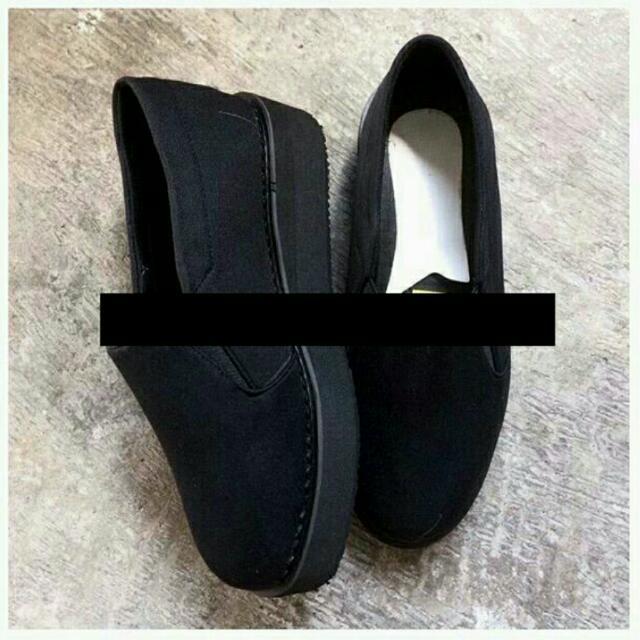Black Slip On Size 39-40