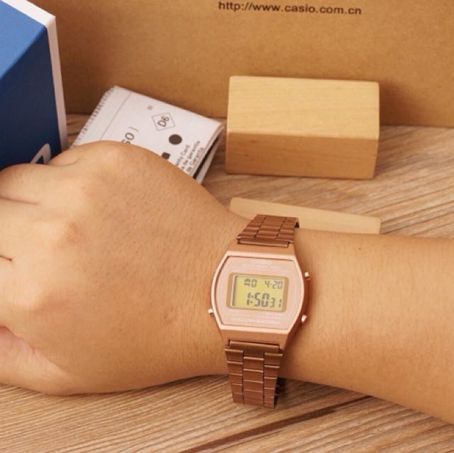 Casio watch rosegold