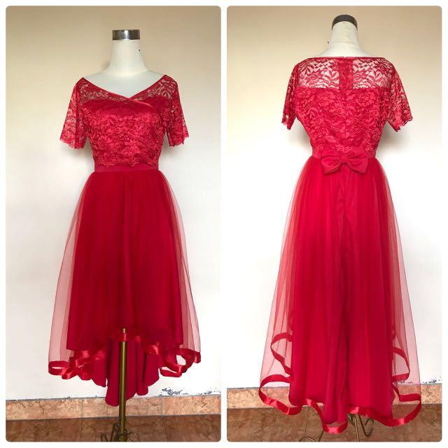 Dress / gaun merah