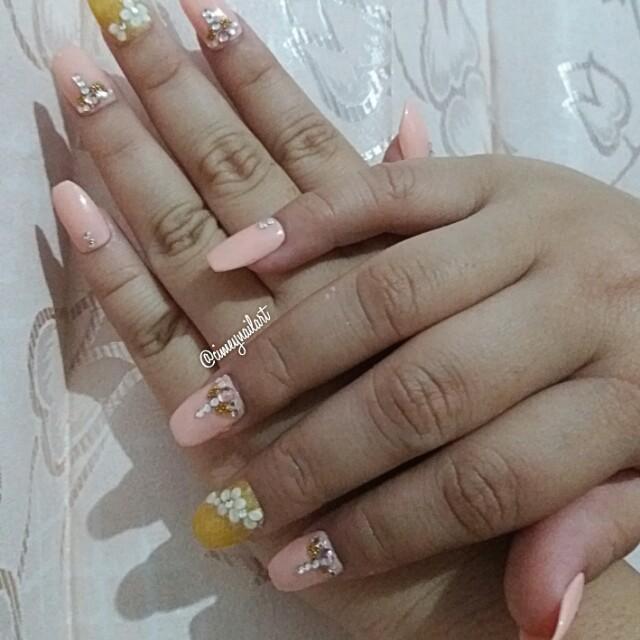 Hand made fake nails