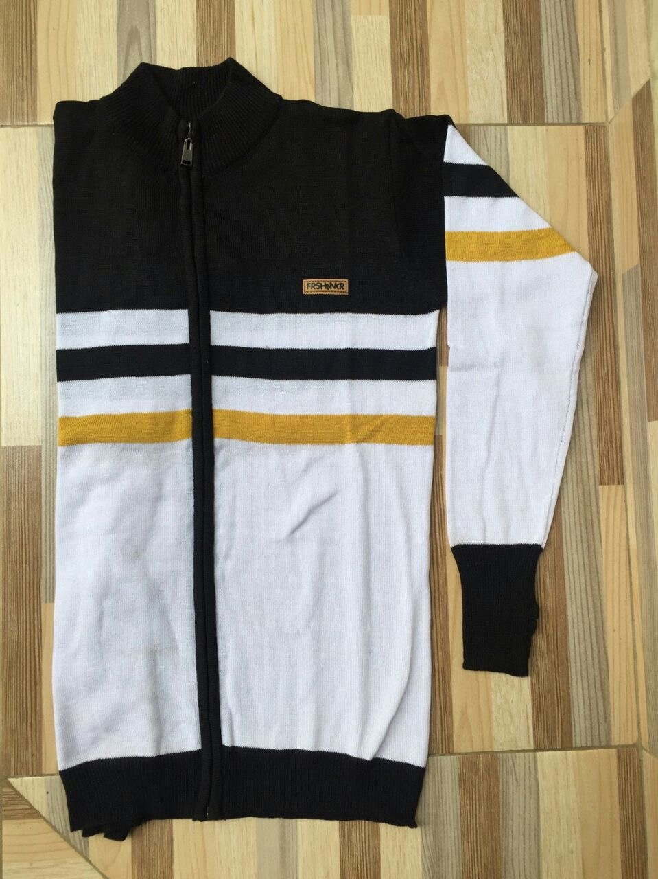 Jaket Sweater Black-White
