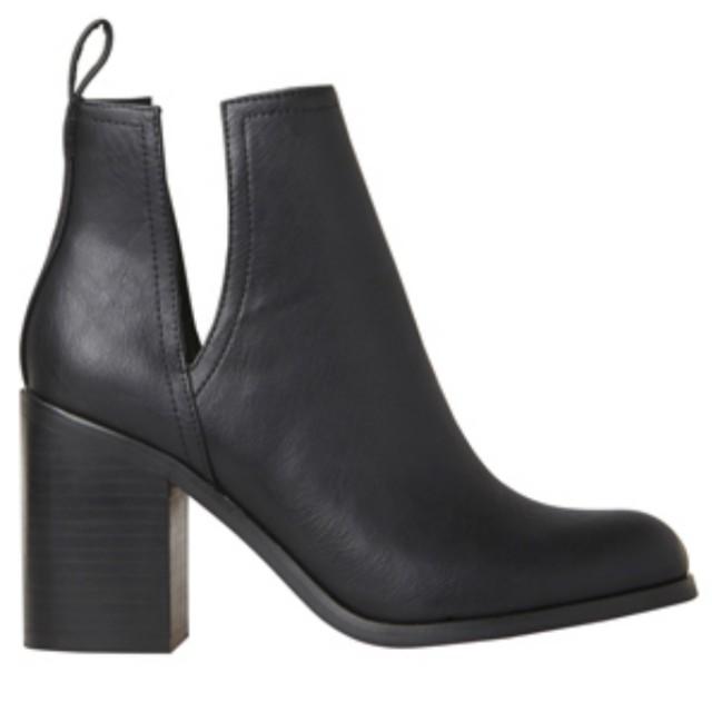 [LIPSTIK] Nerro Heeled Boots (SIZE 8)