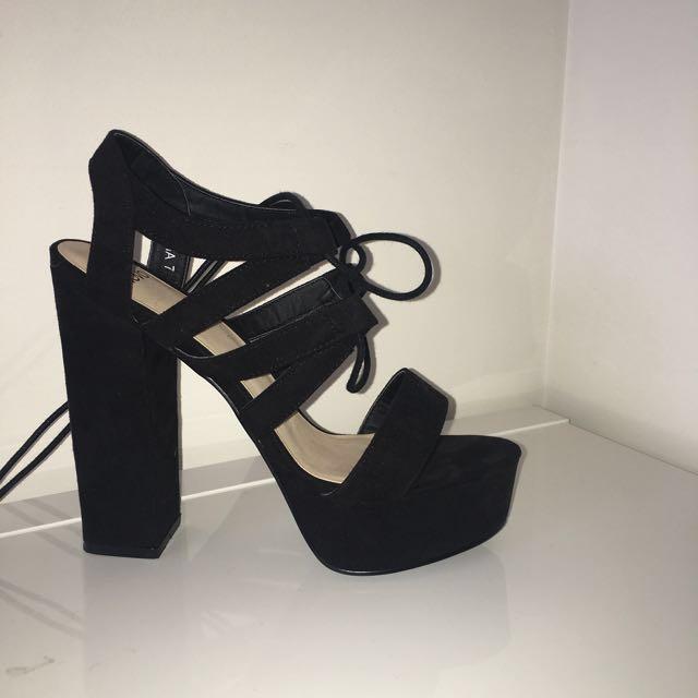 Novo Black Lace Heels Size 7