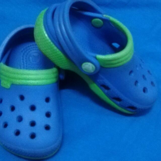 orig crocs shoes