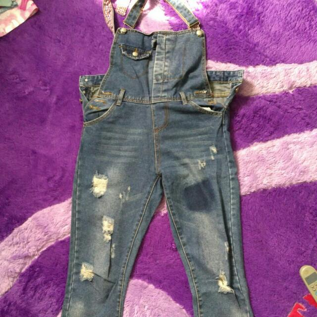 overall jeans sobek ukuran L