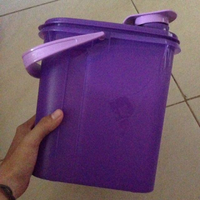 pitcher tupperware