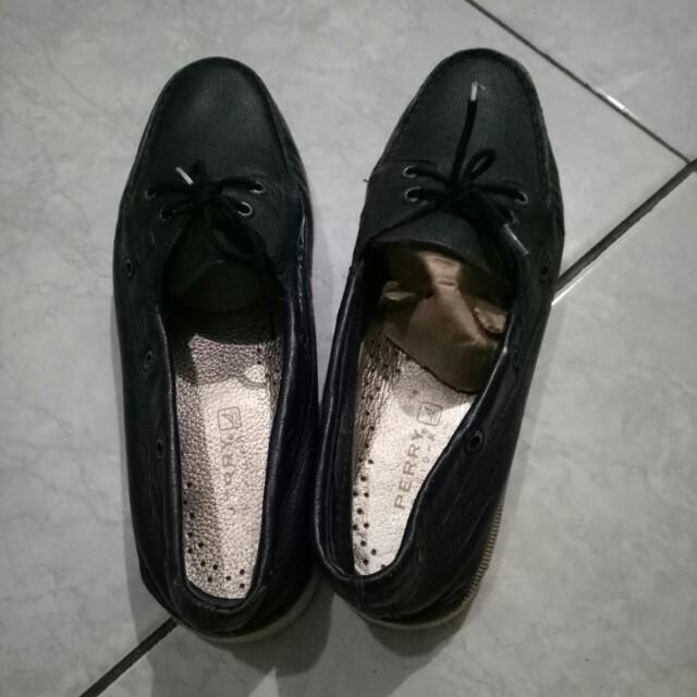 Sepatu SPERRY size 38