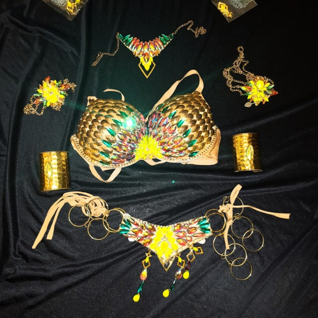 Showgirl costume. Burlesque/Salsa