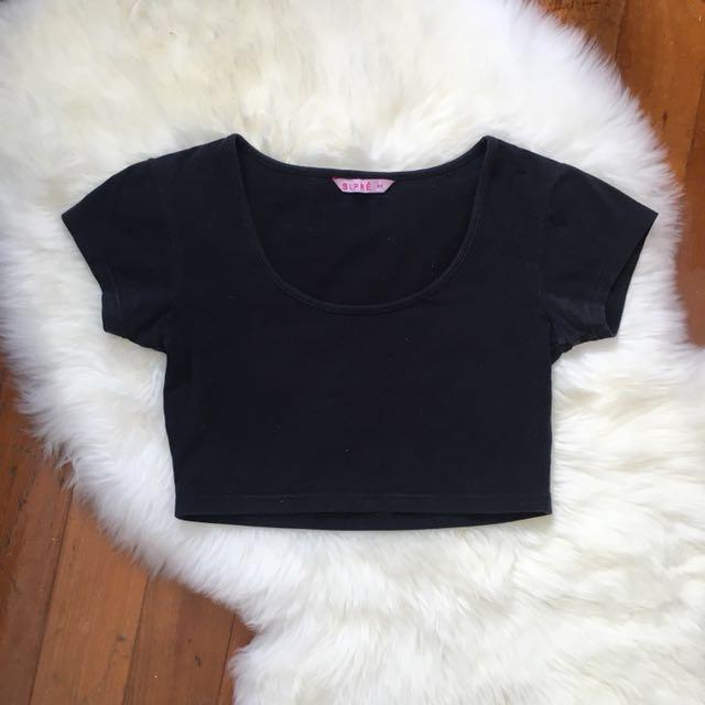 SUPRE Size XS (8) Black Crop Top