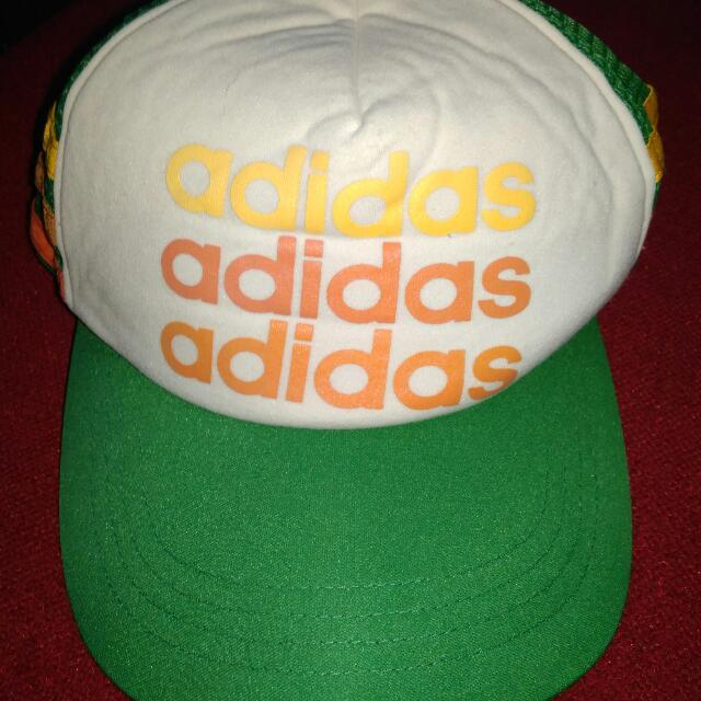 Topi Adidas. Sale 50%