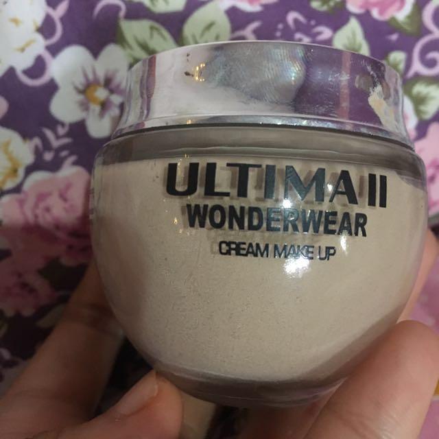 Ultima wonderwear cream make up